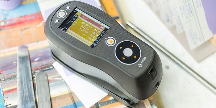 Ci64 spectrophotometer in use